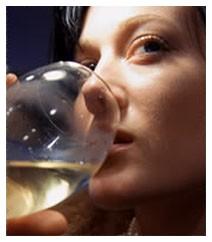 Lo schema a una sindrome di astinenza alcolica