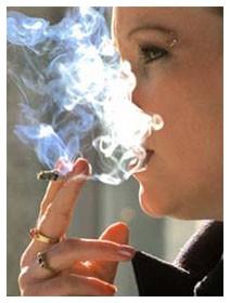 Il fumo smesso che costantemente ha fame che fare