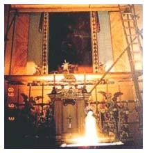 Foto paranormali: fotografia nella chiesa di Karacsond