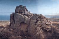 Stonehenge : Nuraghe del Monte Arrubiu-Quirra